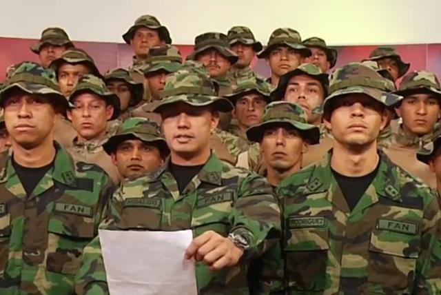 Grupo de militares desconocieron a Nicolás Maduro como presidente ...