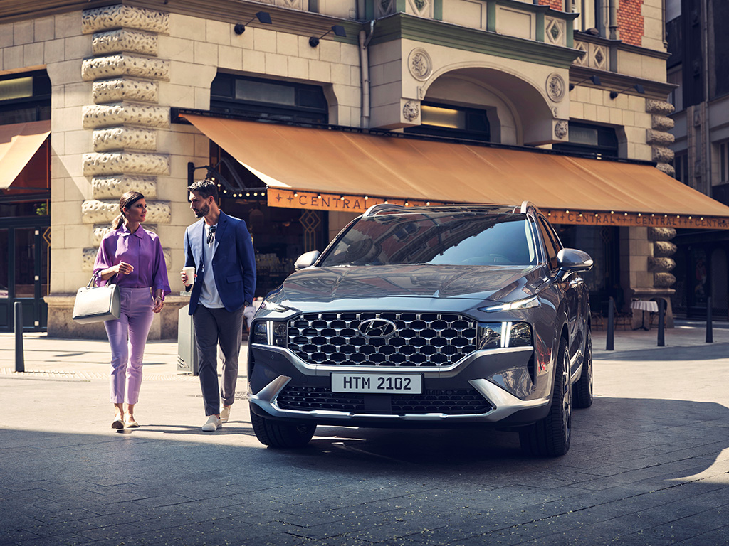 The price of hyundai creta ranges from rs. The Perfect Family Car Hyundai Santa Fe Arrives At Juma Al Majid Showroom