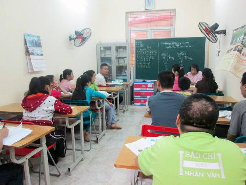Lớp học của cô Côi có 15 em học sinh, mắc nhiều bệnh khác nhau như thiểu năng trí tuệ, tự kỷ, nhiễm chất độc hóa học... Ảnh: Quỳnh Trang.