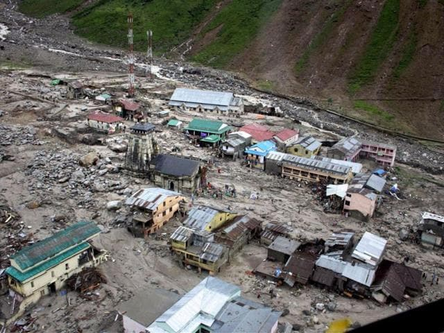 Kedarnath temple stays intact, its surroundings have gone with flow - india  - Hindustan Times