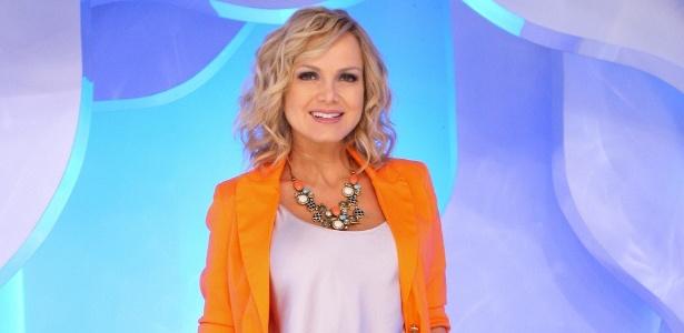 https://i0.wp.com/m.i.uol.com.br/celebridades/2011/10/06/eliana-posa-no-palco-de-seu-programa-no-sbt-setembro2011-1317925526631_615x300.jpg