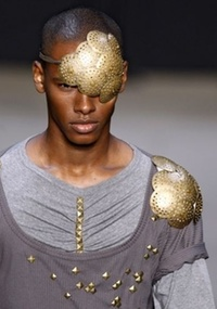 Soddi, que desfilou coleção para o Inverno 2011 (foto), volta ao Fashion Rio com o Prêmio Rio Moda Hype