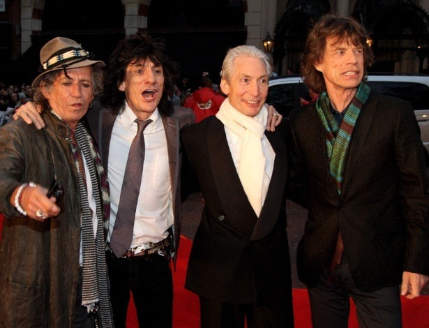 "Os integrantes do Rolling Stones Keith Richards, Ronnie Wood, Charlie Watts e Mick Jagger no lançamento do filme ""Shine a Light"", em Londres (02/04/2008)"