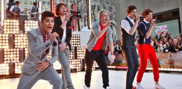 """A boyband One Direction se apresenta no programa """"Today"""", da NBC"""