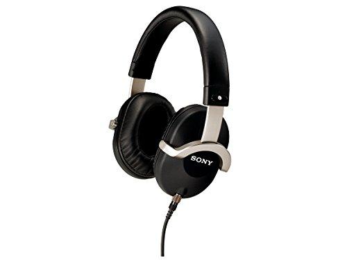 ソニー SONY ヘッドホン 密閉型 ケーブル着脱式 MDR-Z1000 渡部高士 の愛用ヘッドフォンは「SONY ( ソニー ) / MDR-Z1000」【徹底解説】音楽のプロが使用するヘッドフォン特集!ミュージシャン、作曲家、エンジニアが使用するDTMや作曲・編曲にオススメのヘッドフォン・イヤホンの紹介!
