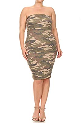 Pattern print, lined, strapless, midi dress in a bodycon fit with an elastic band around the neckline and open back in plus size. Our products comfort, perfect for casual wear for any occasion. Choose from our diverse options and see which one fits y...