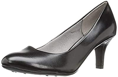 Round-toe pump with covered heel and Soft System technology at insole
