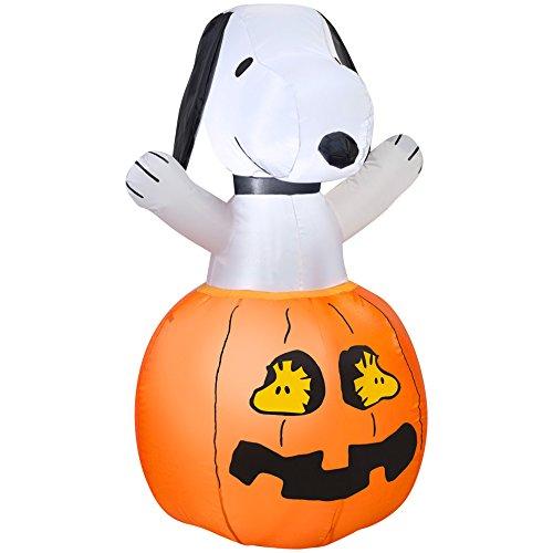 Gemmy Inflatables Snoopy in Pumpkin w/Woodstock