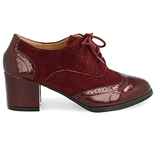 Zapato de Tacon Cuadrado con Cordones Redondos y Patron Calado Tipo Oxford. Altura del Tacon: 6 cm. Talla 36 Burdeos