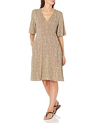 Kimono-sleeves and a self-tie waist add shape to this versatile and figure-flattering V-neck wrap dress This figure-flattering dress wraps across the front to accentuate your natural waistline Everyday made better: we listen to customer feedback and ...