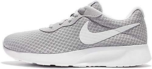 Nike Tanjun, Zapatillas de Running para Mujer, Gris (Wolf Grey/White), 38 EU