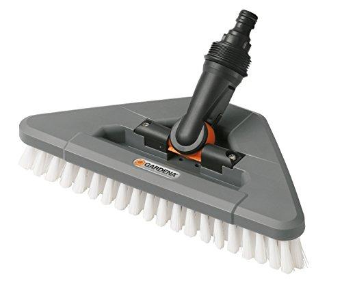 Gardena Gelenk-Schrubber: Wasserführende Reinigungsbürste mit Gelenk für das Cleansystem, zur effektiven Reinigung von Ecken und Winkeln (5562-20)