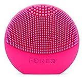 LUNA play plus de FOREO es el cepillo facial recargable de silicona |Fuchsia| Con pilas recambiables...