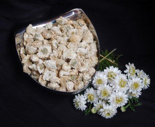 Naturix24 – Römische Kamillenblüten ganz – 50g Beutel