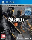 """Contient : Le jeu Call of Duty: Black Ops 4 Le Black Ops Pass Le Steelbook Un Pop Socket 10 Écussons de Spécialistes 3 Cartes Zombies Collector 1100 Call of Duty Points """"Clasified"""" – une expérience Zombies disponible au lancement Date de sortie au 12..."""