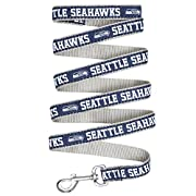 PREMIUM PET LEASH LICENSED: - Officially licensed by the NFL. Don't be fooled by other unlicensed, lower quality products. This COOL DOG LEASH features bright NFL TEAM NAME, LOGO and colors of your favorite NFL team. SOFT PADDED PET LEASH: Comfort Co...