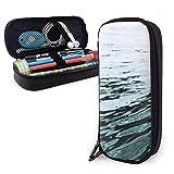 en Ocean Island Sea Surfer Riding On A Board Funda de lápiz de cuero PU Bolso para bolígrafo, Caja de bolígrafo con cremallera doble de alta capacidad Caja Maletín Bolsa de monedas