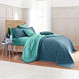 BrylaneHome BH Studio Triangle Reversible Quilt - Full/Queen, Peacock Turquoise