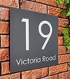 Plaque de maison personnalisée en acrylique gris ardoise personnalisable avec nom de rue, numéro d'adresse, numéro de rue