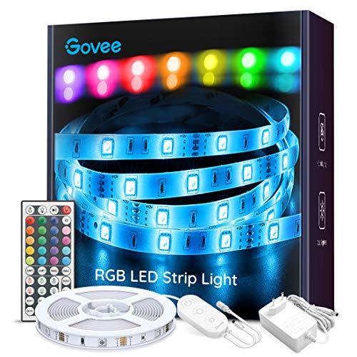 LED Strip 5m, Govee RGB LED Lichterkette Streifen Lichtband mit Fernbedienung, Hell 5050 LED Stripes Lichterkette Band Selbstklebende Leiste für Zuhause, Schlafzimmer, TV, Schrankdeko, Farbwechsel