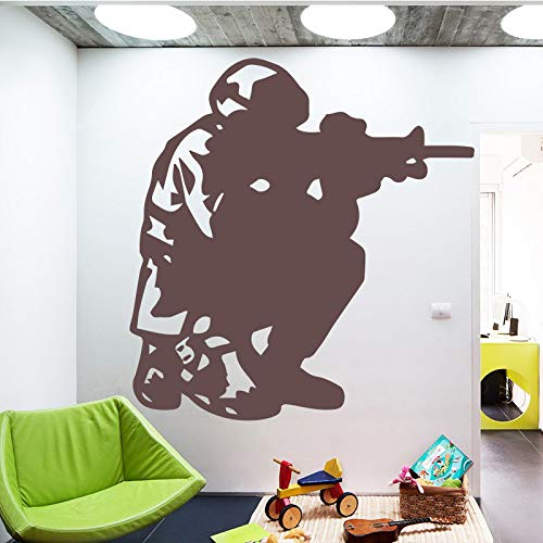 Soldier Man Millitary Gun Pattern Wall Sticker for Living Room Decoration Adesivi murali rimovibili Camera da letto bianca L 43cm X 45cm