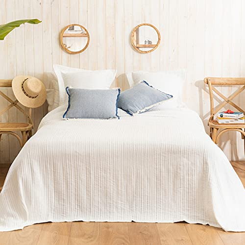LA MALLORQUINA Piqué Bedspread - Adela (Bed 150 or 160cm - 250x260 cm - White) |  Luxury Bedspreads and Cotton Design