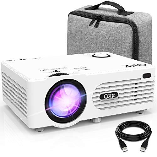 QKK 4500 Lumen Beamer mit Tragetasche unterstützt 1080P Full HD, Mini Video Beamer kompatibel mit TV-Sticks, PS4 Xbox, Wii, HDMI, VGA, SD-Karten, AV- und USB-Geräten, Heimkino-Beamer, weiß, MEHRWEG.