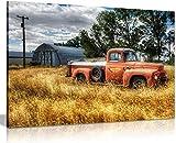 Lienzos De Fotos 60x90cm Sin Marco Coche en árboles rojos y pastos secos en campo Impresión de imagen