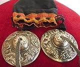 Cymbales bouddhistes tibétaines 62mm de diamètre gravées avec les dragons Naga tibétains livrées dans une poche avec cordon de serrage