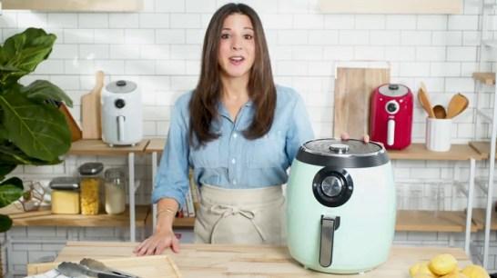 Dash-DFAF455GBAQ01-Deluxe-Electric-Air-Fryer-Oven-Cooker-with-Temperature-Control-Non-stick-Fry-Basket-Recipe-Guide-Auto-Shut-Off-Feature-1700-Watt-6-Quart-6-qt-Aqua