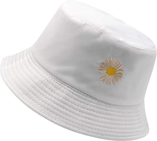 white bucket hat daisy