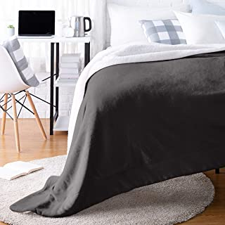 AmazonBasics Ultra-Soft Micromink Sherpa College Dorm Blanket – Throw, Black