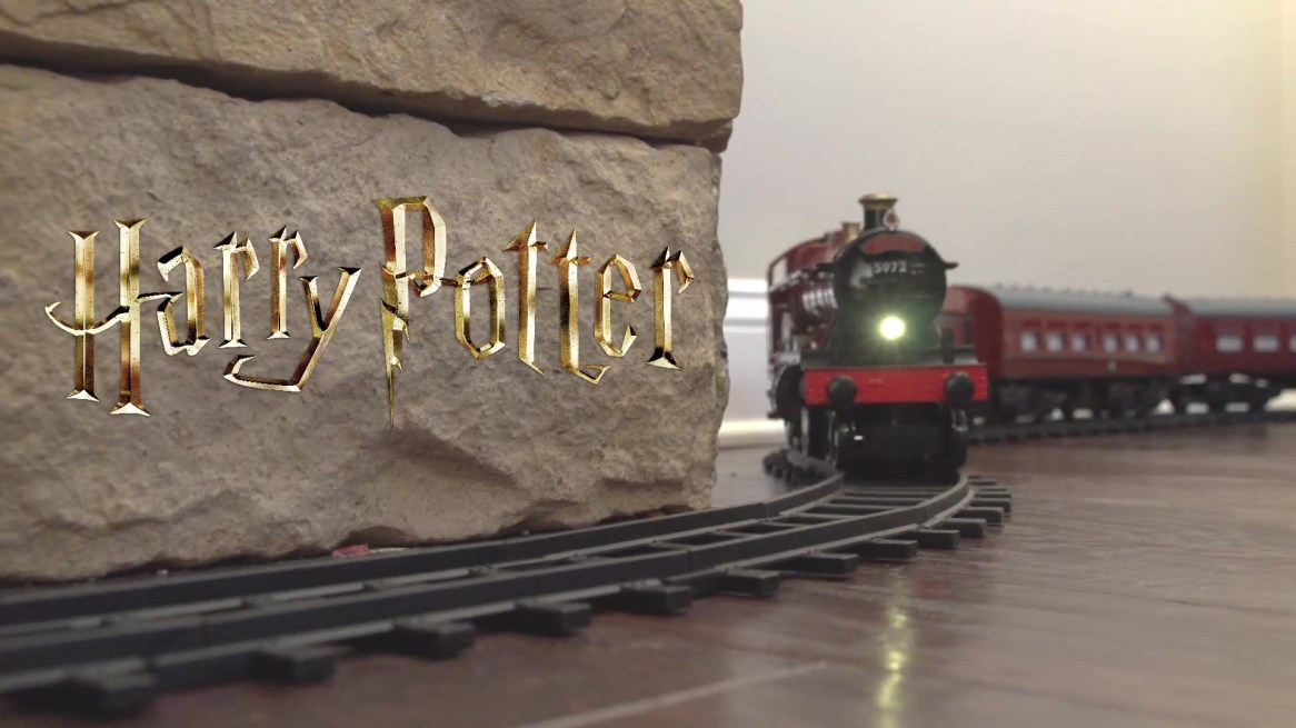 Lionel-Hogwarts-Express-Battery-powered-Model-Train-Set-Ready-to-Play-with-Remote