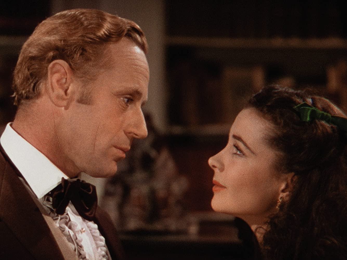 Vivien Leigh and Leslie Howard in Gone with the Wind (1939)