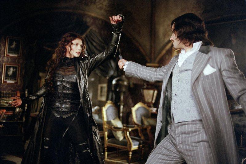 Stuart Townsend and Peta Wilson in The League of Extraordinary Gentlemen (2003)