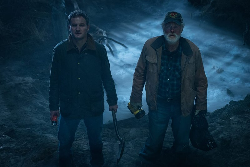 John Lithgow and Jason Clarke in Pet Sematary (2019)