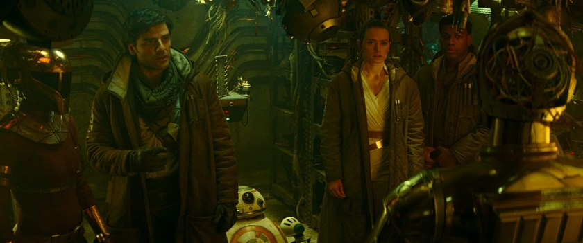 Anthony Daniels, Keri Russell, Oscar Isaac, John Boyega, and Daisy Ridley in Star Wars: Episode IX - The Rise of Skywalker (2019)