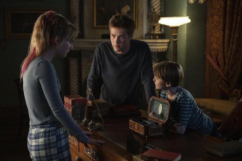 Connor Jessup, Emilia Jones, and Jackson Robert Scott in Locke & Key (2020)