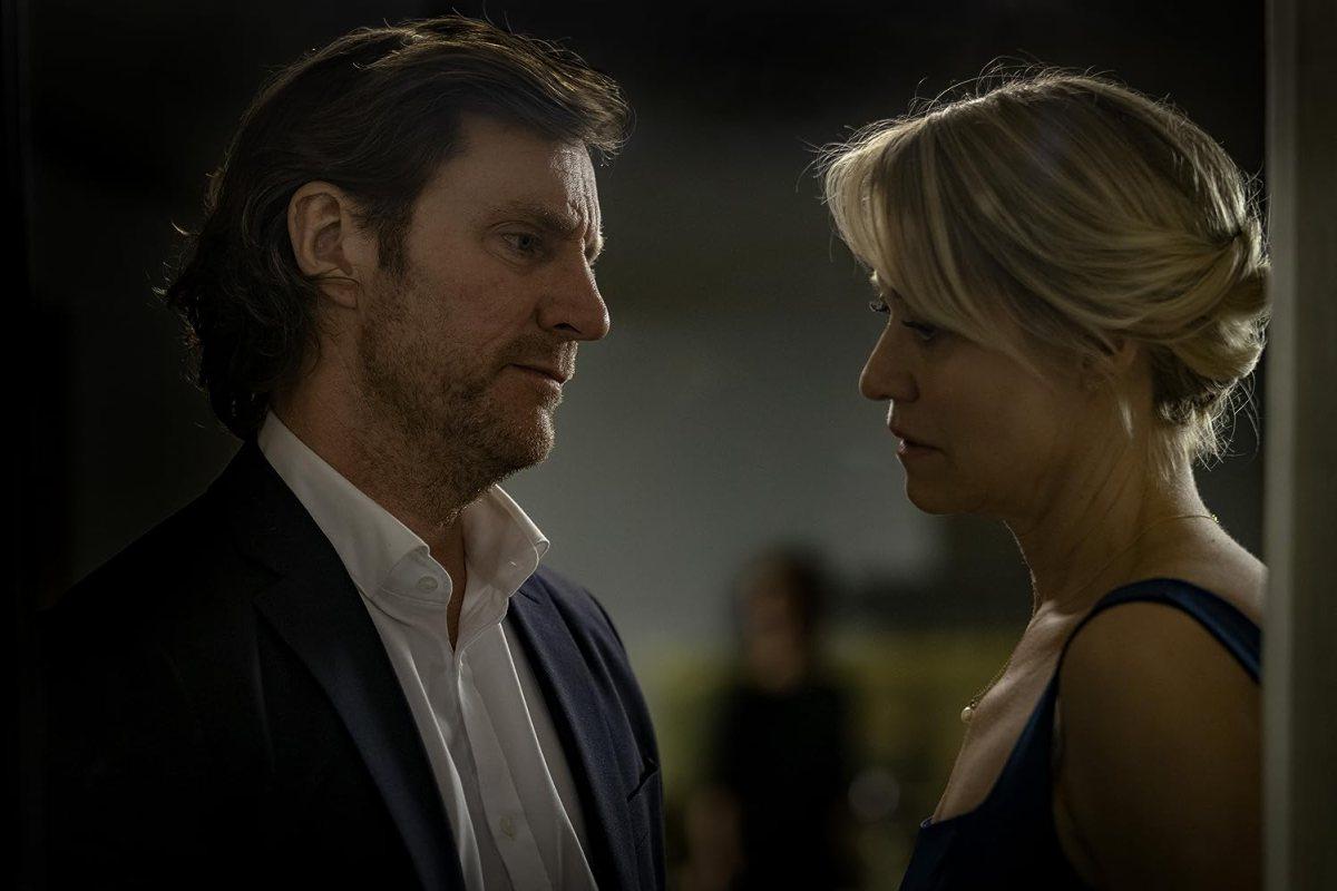 Trine Dyrholm and Magnus Krepper in Dronningen (2019)