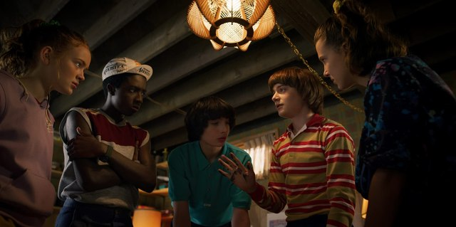 Caleb McLaughlin, Sadie Sink, Millie Bobby Brown, Finn Wolfhard, and Noah Schnapp in Stranger Things (2016)