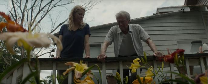 Clint Eastwood and Alison Eastwood in The Mule (2018)
