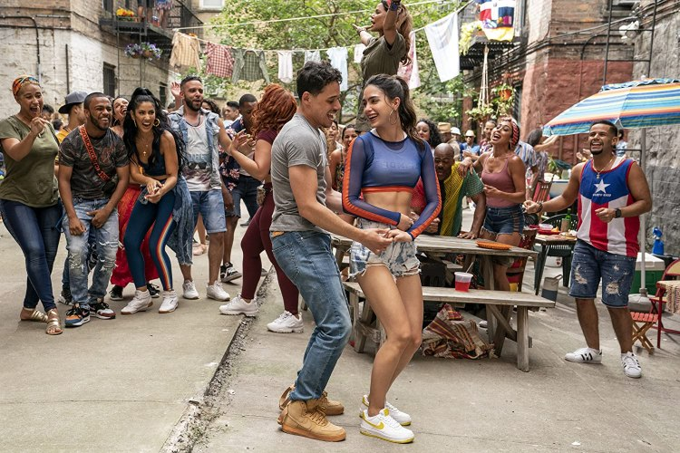 Melissa Barrera and Anthony Ramos in In the Heights (2020)
