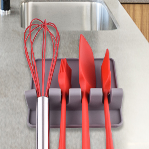 Hold up to 4 utensils without them touching.