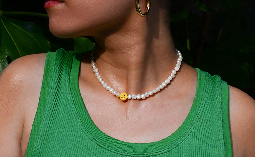 smiley face pearl choker necklace