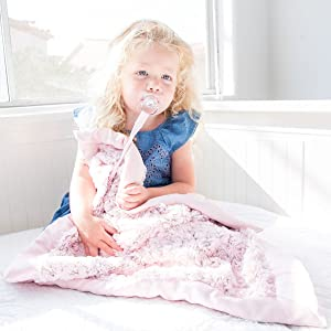 Zalamoon Luxie Pocket Blanket