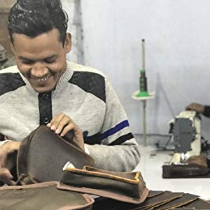 handmade handcrafted premium quality genuine leather laptop Messenger bags handcrafted by Indians