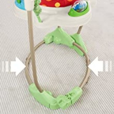 Bei 360-Grad-Drehspass, fröhlicher Musik, Lichtern und Geräuschen macht Ihr Kind Freudensprünge!