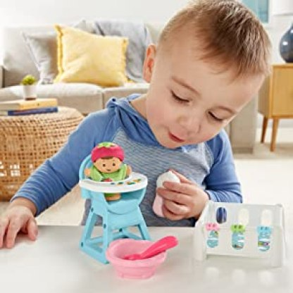 Fisher-Price GKP65 Little People Food and Sleep Set for Toddlers 7 Pieces