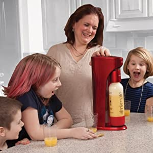Kids love healthy drinks that sparkle!