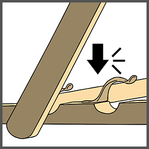 Press the horizontal bar of the support section into one of the 3 reclining positions